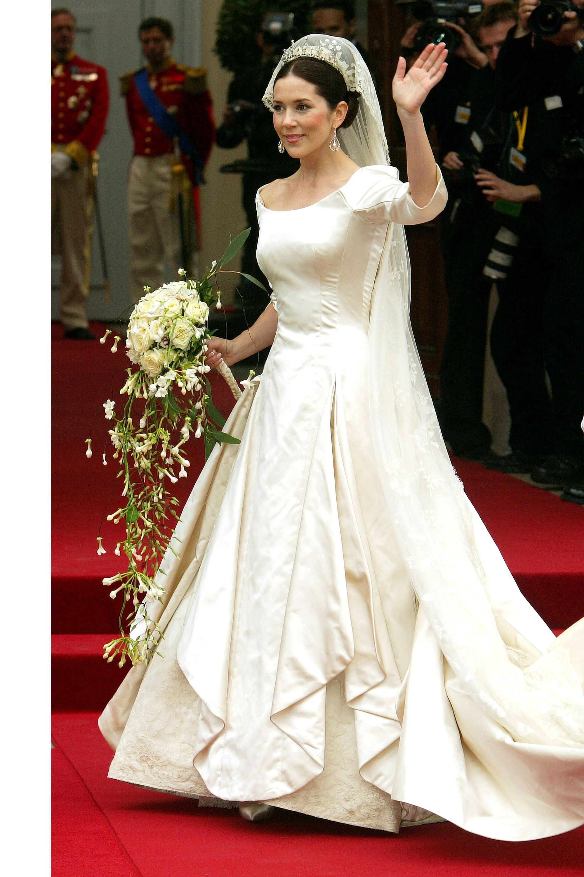 Royal wedding gowns iconic royal brides junglespirit Images