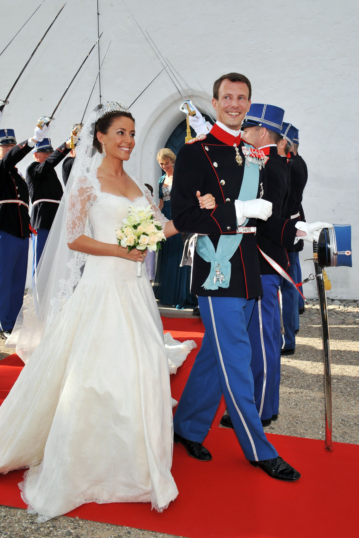 Royal wedding gowns iconic royal brides junglespirit Gallery