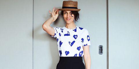 Hat, Sleeve, Collar, Shoulder, Joint, Waist, Style, Fashion accessory, Headgear, Dress,