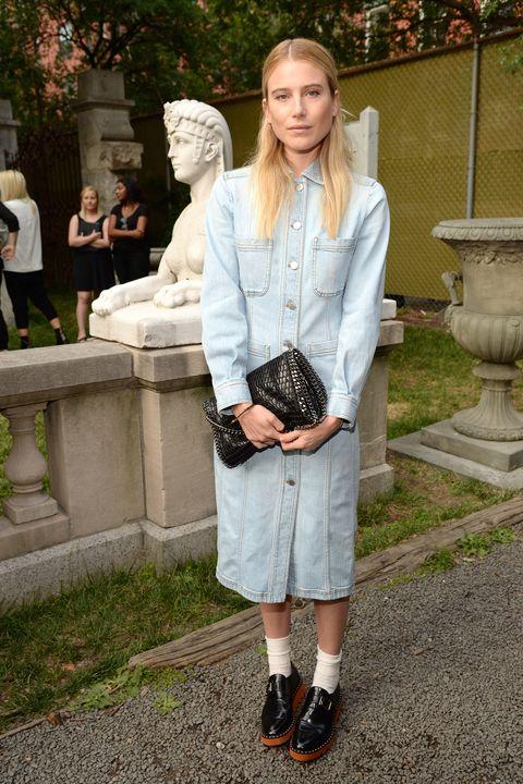 <p>Dree Hemingway is easy and elegant in denim Stella McCartney.</p>