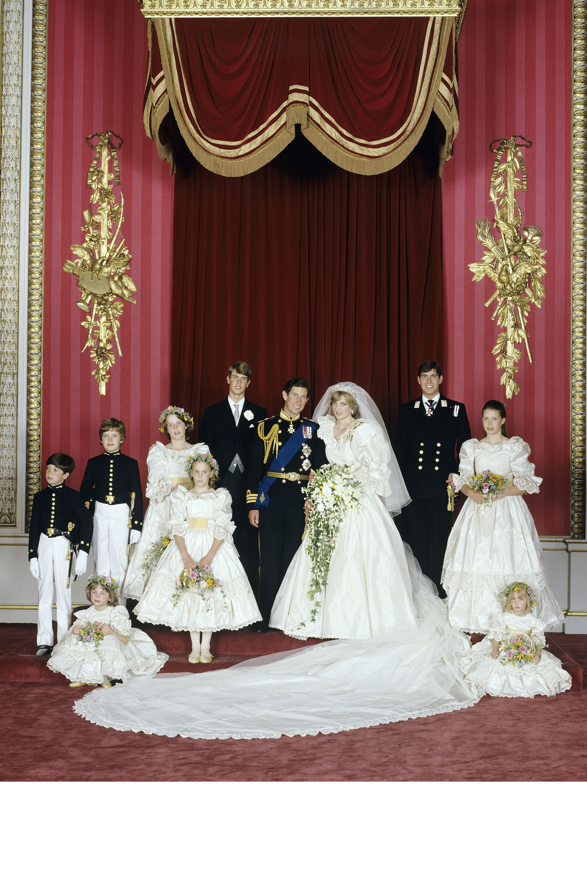 Princess Diana S Wedding Photo Retrospective Pictures From