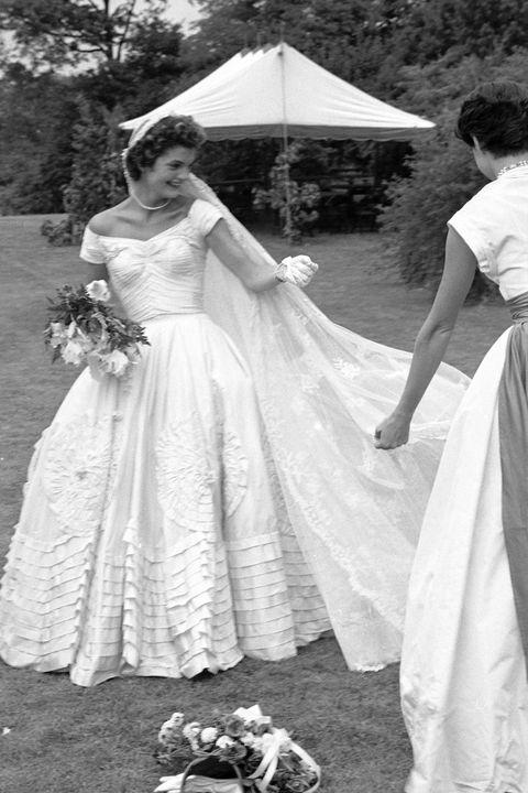 The 18 Best Celebrity Wedding Dresses Of All Time | Jackie kennedy ...