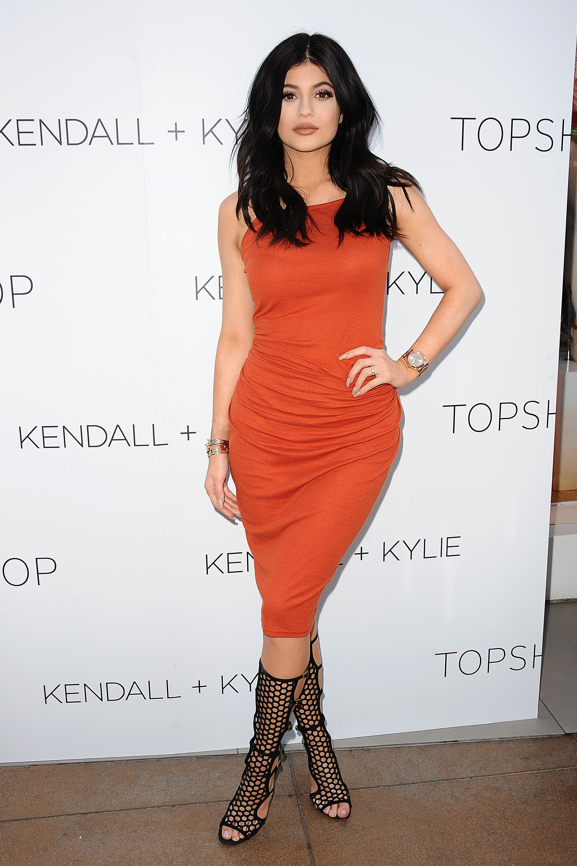 27 of Kendall and Kylie Jenner s Best Shoe Moments - Kendall and Kylie  Jenner s Shoe Street Style 8998c8f820d8