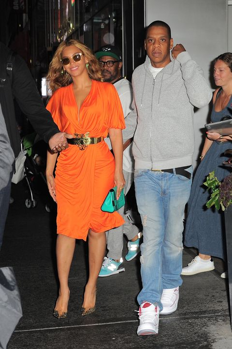 <p>Leave it to Beyoncé to nail a date night look that's equal parts bold and chic. Leave a lasting impression in a vibrant pop of color and polished extras. </p>