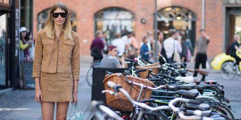 Eyewear, Bicycle tire, Bicycle handlebar, Bicycle frame, Glasses, Bicycle wheel, Sunglasses, Bicycle part, Bicycle saddle, Bicycle accessory,