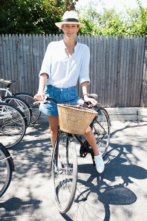 Bicycle tire, Wheel, Tire, Bicycle wheel rim, Bicycle wheel, Bicycle, Bicycle accessory, Hat, Bicycle part, Spoke,