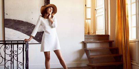 Hat, Sleeve, Shoulder, Dress, Joint, Human leg, Style, Collar, Formal wear, Elbow,