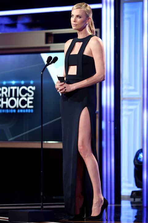 Leg, Shoulder, Dress, Shoe, Joint, Human leg, High heels, Knee, Waist, Thigh,
