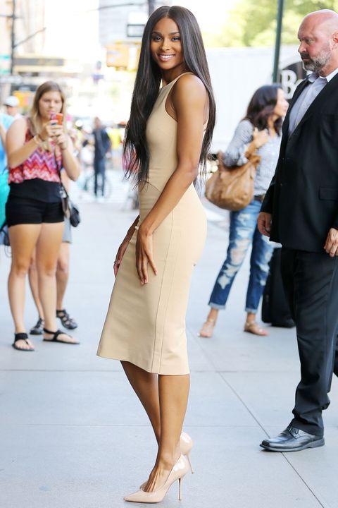 Clothing, Hair, Footwear, Face, Leg, Event, Human body, Trousers, Human leg, Shoulder,