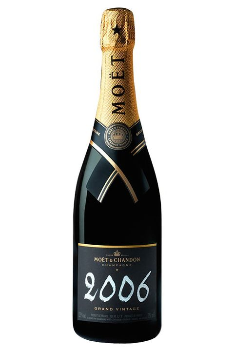 "<p><strong>The Bottle</strong>: Moët Grand Vintage </p><p><strong>The Bar</strong>: <a href=""http://www.noburestaurants.com/fifty-seven/experience/"" target=""_blank"">Nobu 57</a> </p><p>Moët's most exclusive variety is, naturally, served at a similarly exclusive venue. This Midtown outpost of the Tribeca original is just as popular with the see-and-be-seen crowd as its downtown sister—and turns out innovative Japanese fare to boot.</p>"
