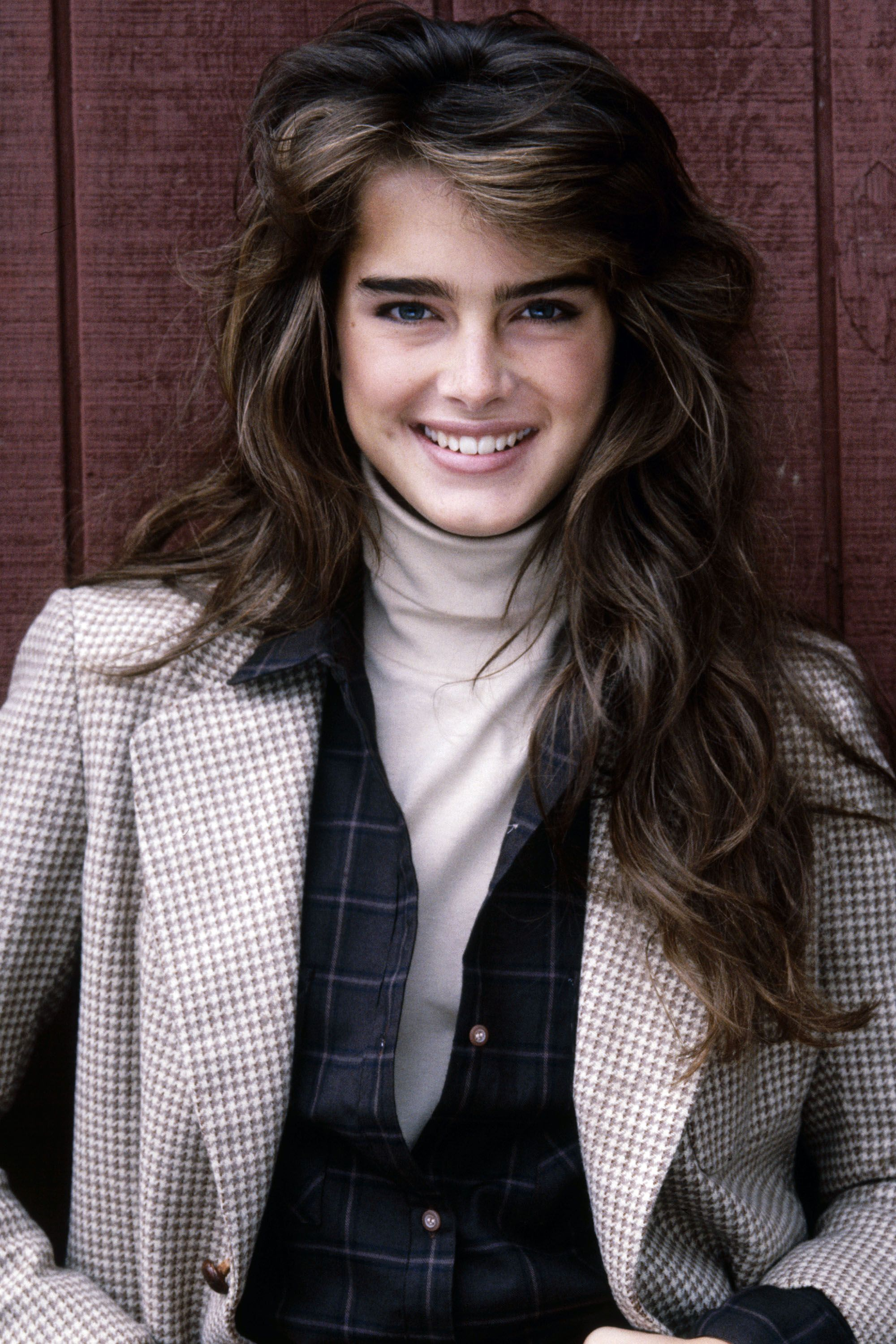 <p>Thick brows, bare skin and big waves equal classic, all-American youth no matter the decade.</p>