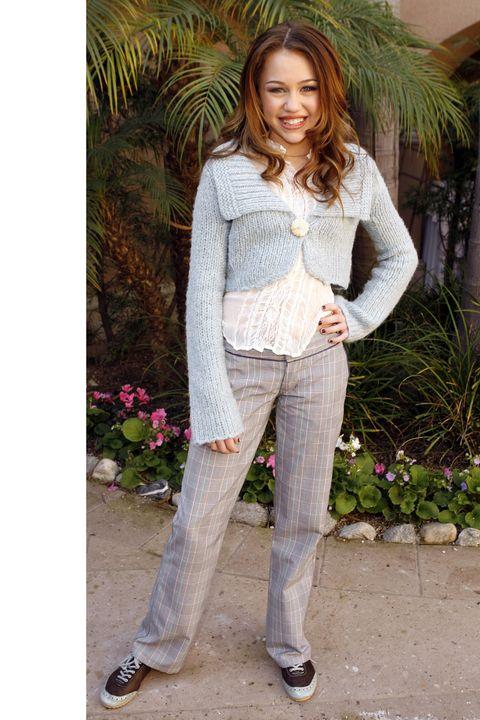 White, Clothing, Jeans, Beauty, Fashion, Outerwear, Footwear, Photo shoot, Denim, Leg,