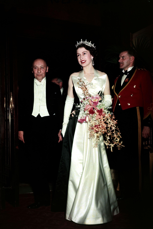 queen elizabeth ii through the years photos of queen elizabeth ii photos of queen elizabeth ii
