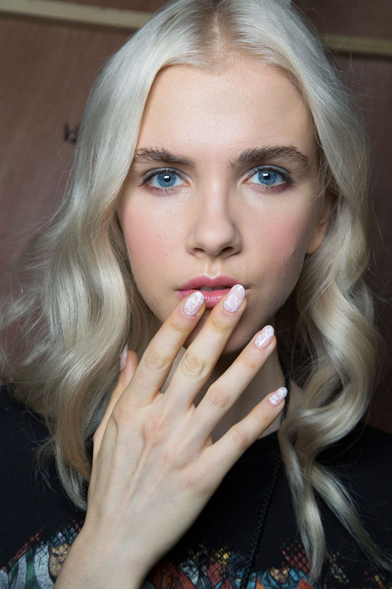 The Best Beauty Looks From Nyfw Spring 2016 Runway Hair And Makeup Mille Shopia Top Creme Beige M