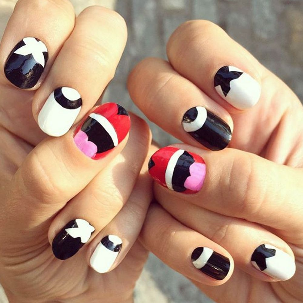 "<p>Offset a serious outfit with graphic nail art made for social media moments. <a href=""https://instagram.com/jessicawashick/?hl=en"" target=""_blank""></a></p><p><a href=""https://instagram.com/jessicawashick/?hl=en"" target=""_blank"">@JessicaWashick</a></p>"