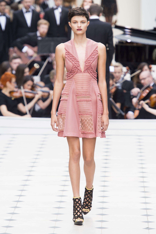London fashion week 2018 burberry dress