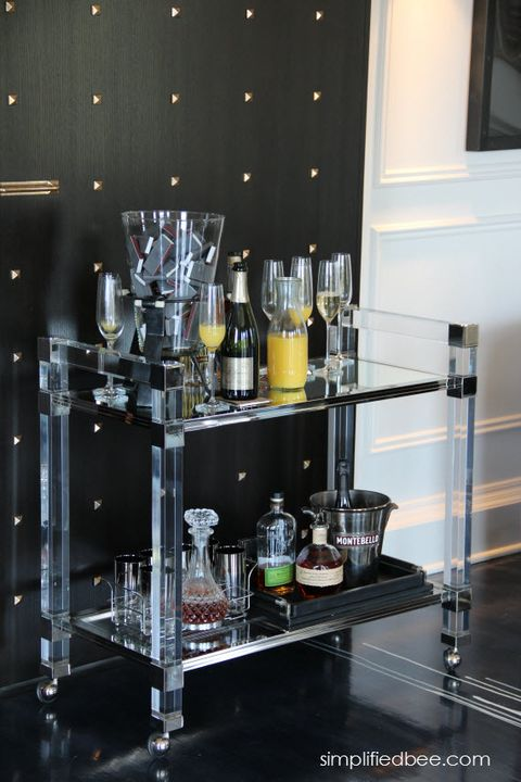 Liquid, Glass, Fluid, Barware, Glass bottle, Bottle, Drinkware, Drink, Alcoholic beverage, Distilled beverage,