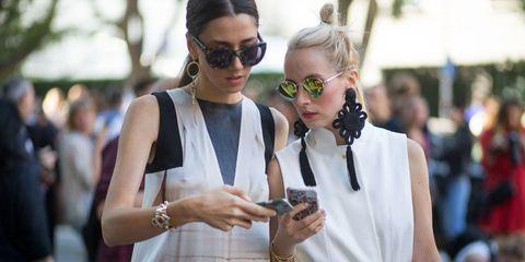 Eyewear, Vision care, Sunglasses, Outerwear, Fashion accessory, Style, Street fashion, Bag, Fashion, Earrings,