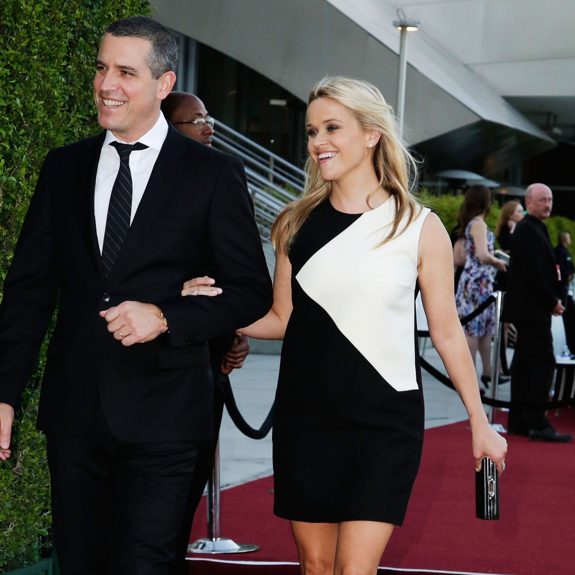 <p>After being married to fellow actor Ryan Phillipe, Witherspoon settled down with agent Jim Toth in 2011. </p>