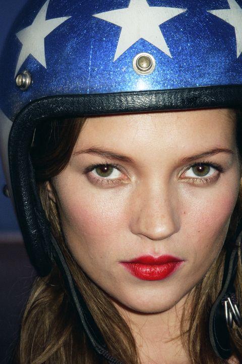 <p>Kate Moss, <em>Harper's BAZAAR, </em>1997</p>