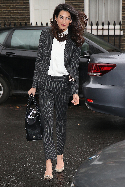 деловой стиль Амаль Клуни