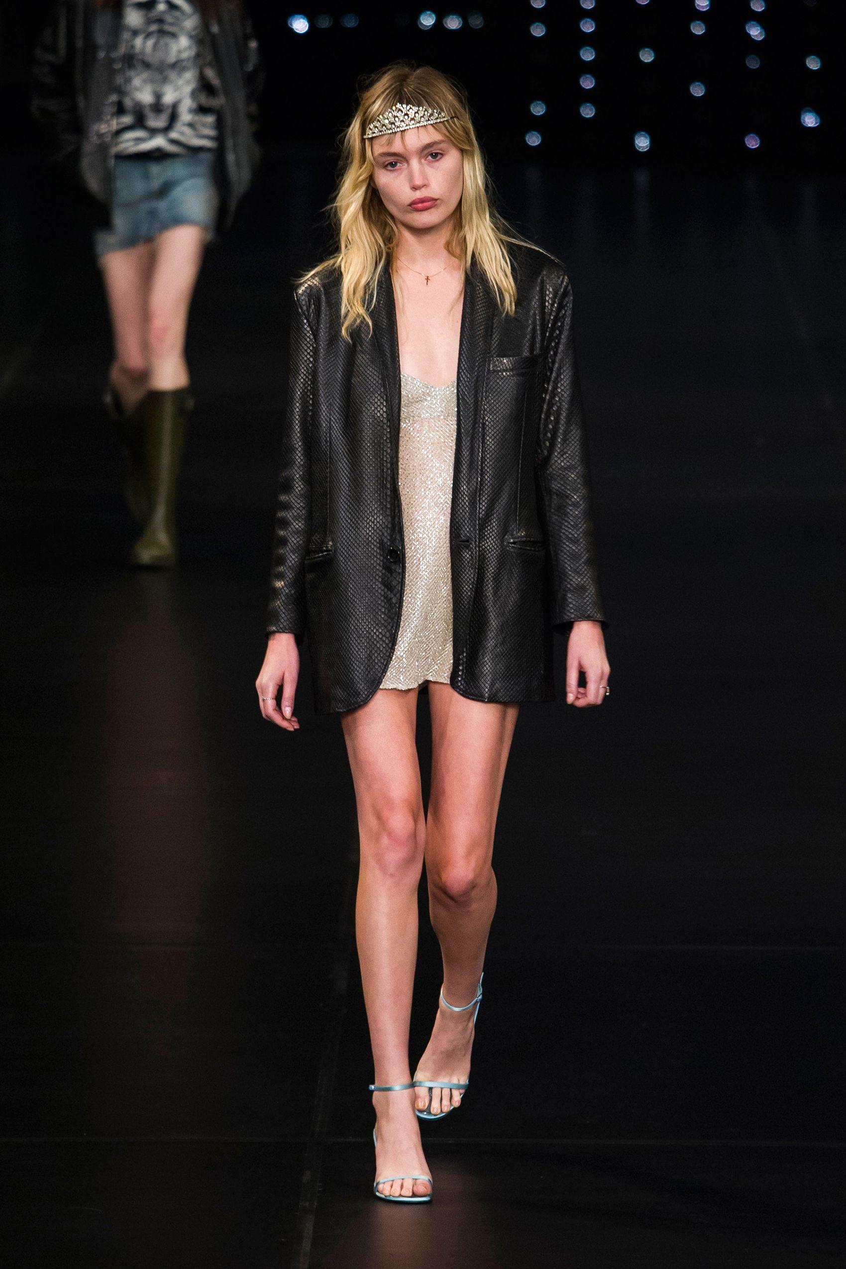 80d4d2714e1 Best Runway Fashion at Paris Fashion Week Spring 2016 - Paris Fashion Week  Spring 2016 Runway Trends