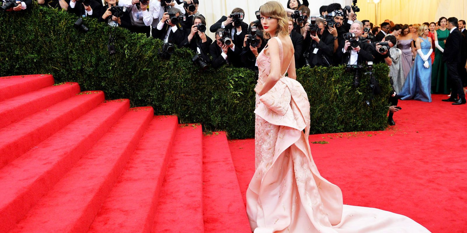 Follow the Met Gala 2016 in Real Time