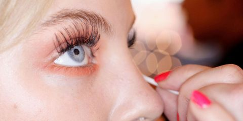 18 Things All Women With Great Eyelashes Do
