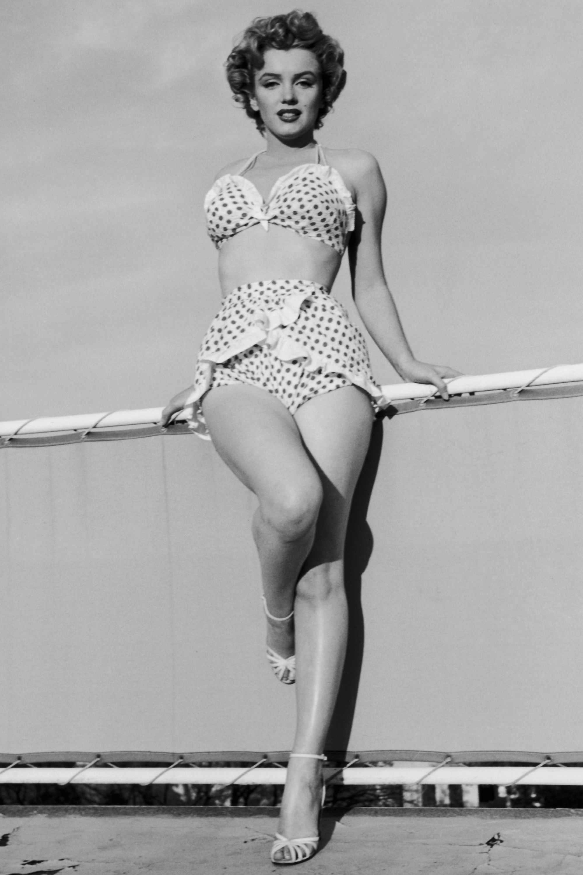 The Best Celebrity Hourglass Bodies Of All Time Famous Hourglass Women