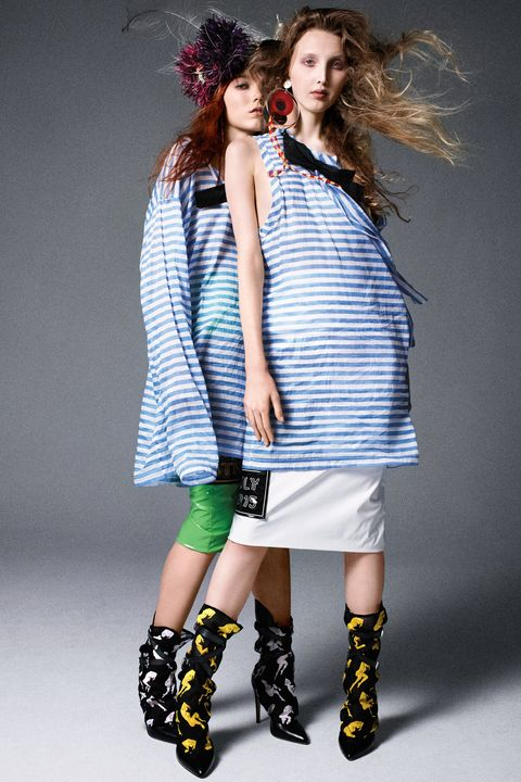 Clothing, Footwear, Blue, Product, Hairstyle, Sleeve, Green, Human body, Shoulder, Human leg,