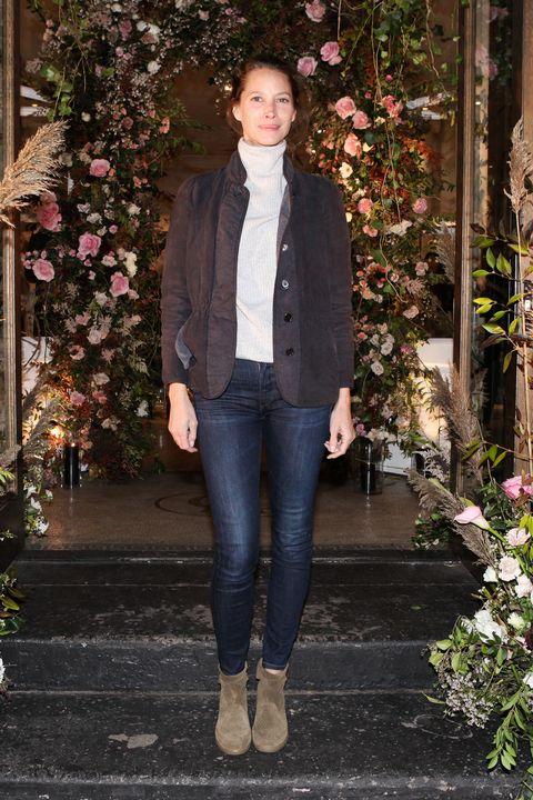 Leg, Brown, Human body, Denim, Textile, Jeans, Outerwear, Style, Jacket, Street fashion,