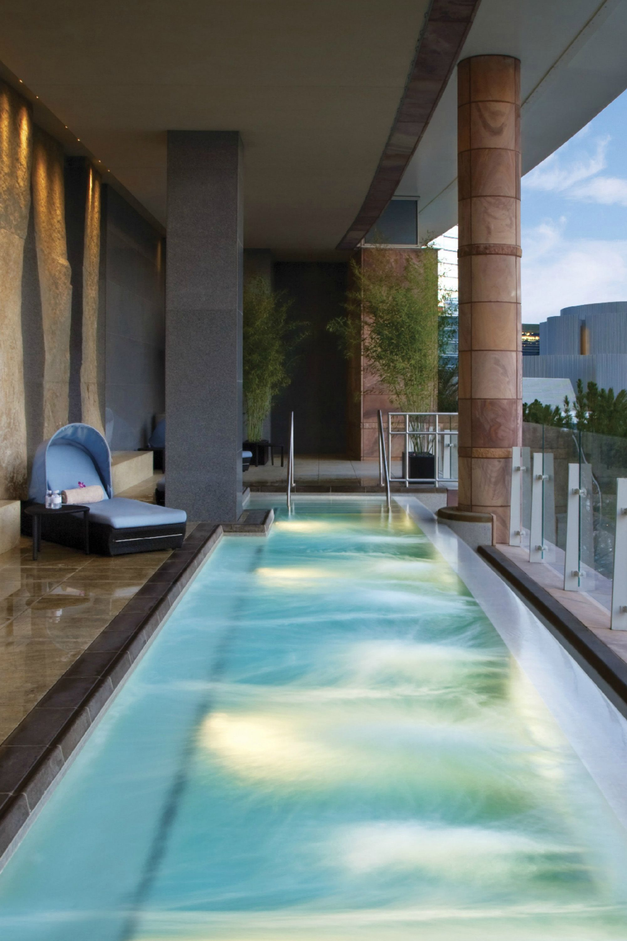 "<p><strong>Where:</strong> <a href=""http://www.vdara.com/"" target=""_blank"">Vdara Hotel & Spa</a></p><p><strong>Spa Highlights: </strong>The ESPA Spa at Vegas's Vdara Hotel comprises two floors full of relaxing European heat treatments and therapies. Taking a holistic approach, the spa offers personalized treatments that cater to each individual's needs. A full fitness center, smoothie bar, pool lounge as well as Salon Vdara round out the spa's offerings. The full service salon offers guests luxe manicures, pedicures, makeup artistry and hair services. </p>"