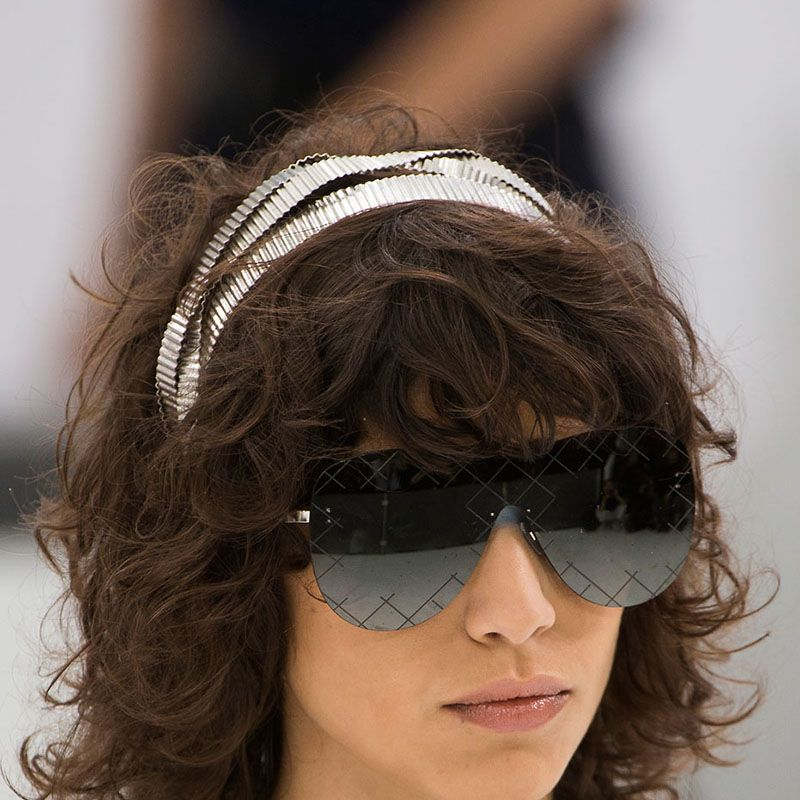 <p>Headbands are making the runway rounds, going gilded or sporty with some pirate vibes for good measure.</p><p><em>Pictured: Chanel</em></p>
