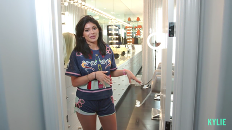 Kylie Jenner Closet - Tour Kylie Jenner\'s House and Closets