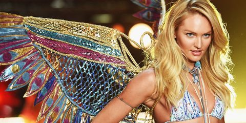 Candice Swanepoel Demonstrates How to Be a Sultry Bombshell
