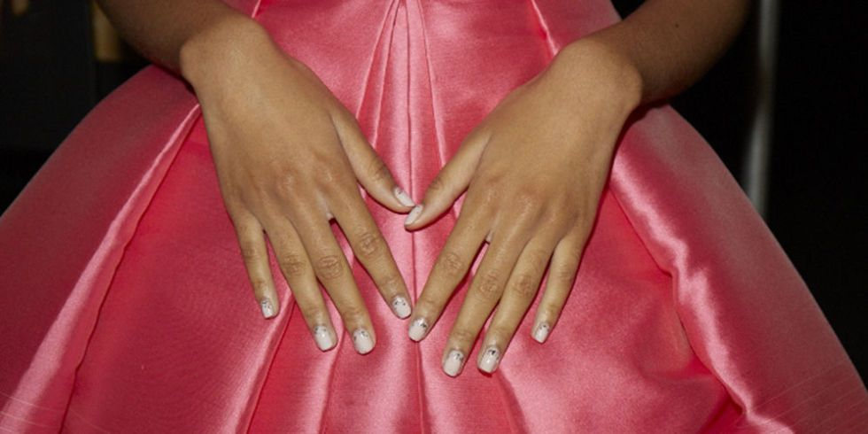 #BeautySchool: How to Easily Remove Glitter Nail Polish