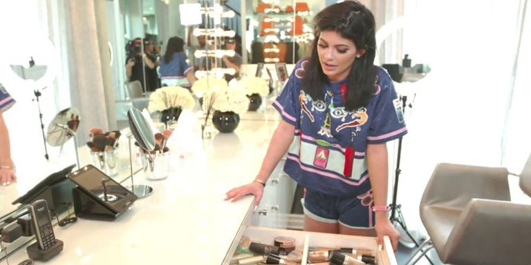 Kylie jenner closet tour kylie jenner 39 s house and closets for Kylie jenner room tour