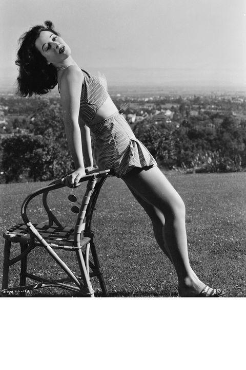 Hairstyle, Human leg, Photograph, White, Sitting, Summer, Knee, Beauty, Black, Monochrome photography,