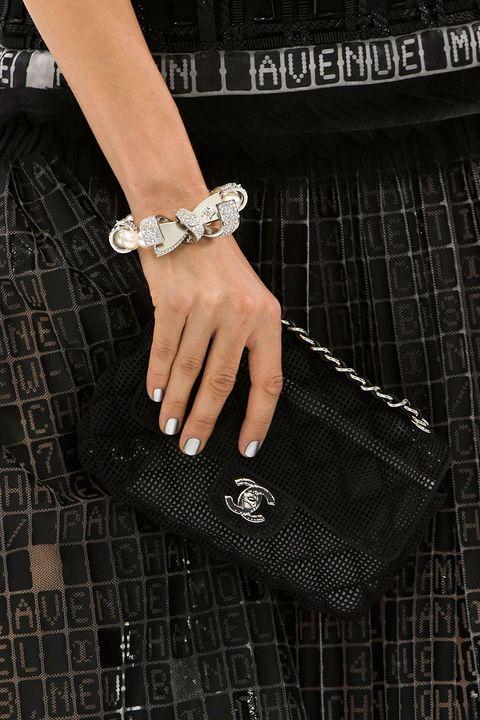 <p>Chanel</p>