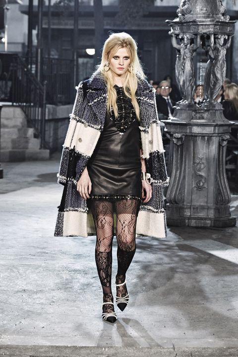 Outerwear, Style, Winter, Street fashion, Monochrome, Fashion model, Fashion, Dress, Monochrome photography, Black,