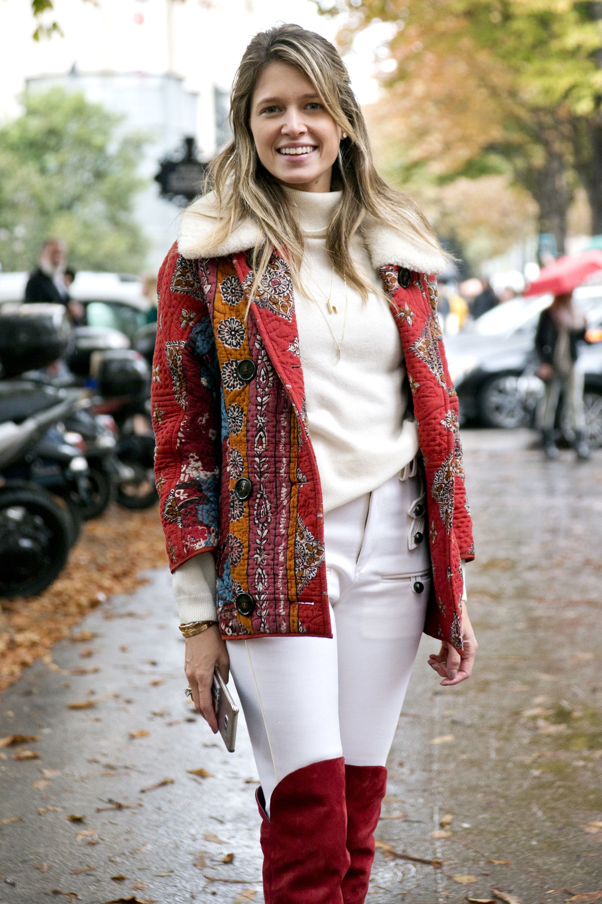"""<p>Take a cue from <a href=""""https://www.instagram.com/helenabordon/"""" target=""""_blank"""">Helena Bordon</a> and layer dainty gold necklaces with over a textured, cozy turtleneck.</p>"""
