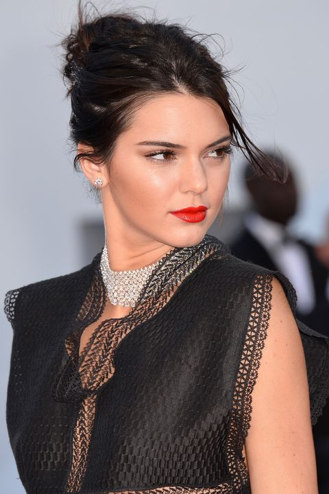 <p>Just ask Kendall Jenner… The model makes the case for a matching earring-and-necklace set (this one's by Chopard). </p>