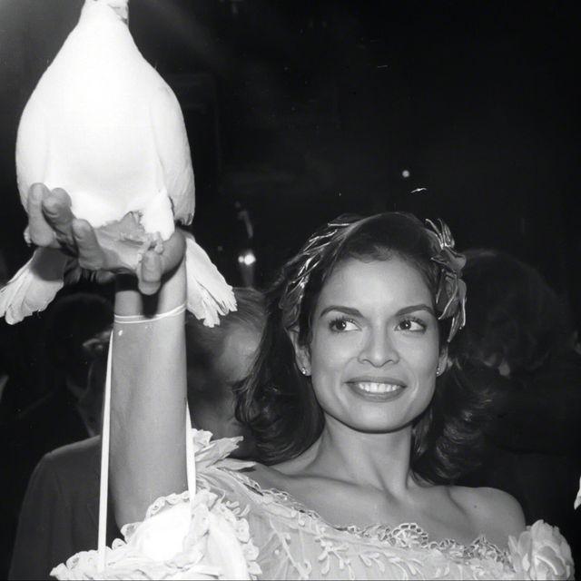 White, Photograph, Black-and-white, Fashion, Dress, Monochrome photography, Monochrome, Wedding dress, Event, Bridal clothing,