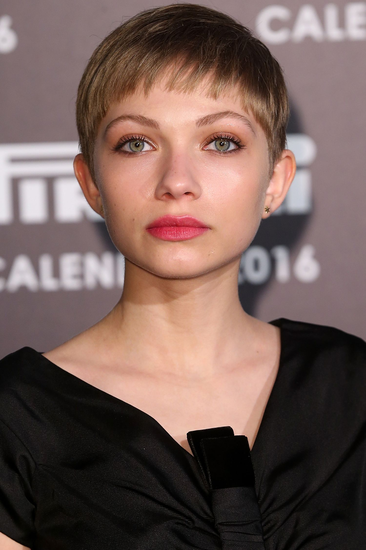 Pleasing 42 Pixie Cuts We Love For 2017 Short Pixie Hairstyles From Short Hairstyles Gunalazisus