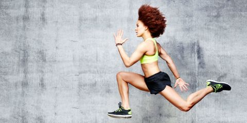 Footwear, Leg, Human leg, Hand, Athletic shoe, Knee, Thigh, Red hair, Exercise, Muscle,