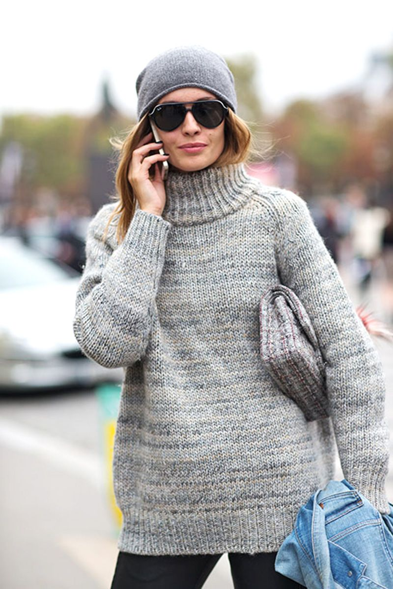 <p>When in doubt, go for the monochromatic look. A gray beanie paired with a turtleneck in a matching hue falls nothing short of sleek. </p>
