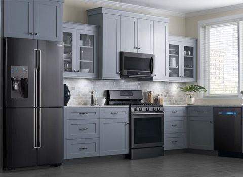"<p>The most popular appliance colors seem to change every few years — remember the <a href=""http://www.elledecor.com/design-decorate/trends/a7691/what-ever-happened-to-pastel-kitchen-appliances/"" target=""_blank"">days of pastel ovens</a>? — and now it looks like polished stainless steel is on the way out. Instead of gleaming silver appliances, Houzz predicts that sleek black stainless steel is the trend of the future.</p>"