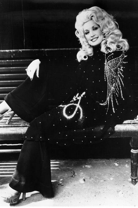 Black, Black-and-white, Sitting, Monochrome, Photography, Leg, Retro style, Vintage clothing, Monochrome photography, Style,