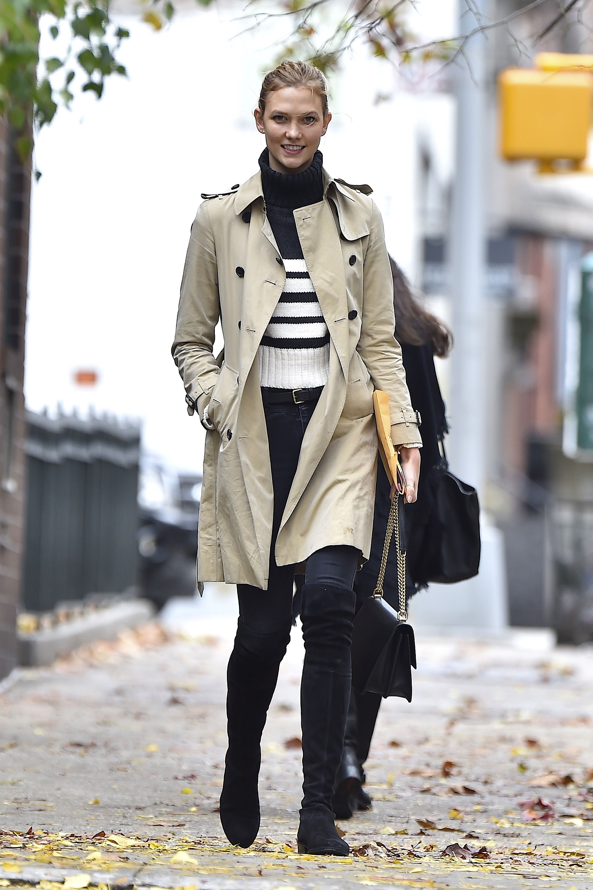 50 Turtleneck Outfits for a Chic Winter Look - How To Wear A