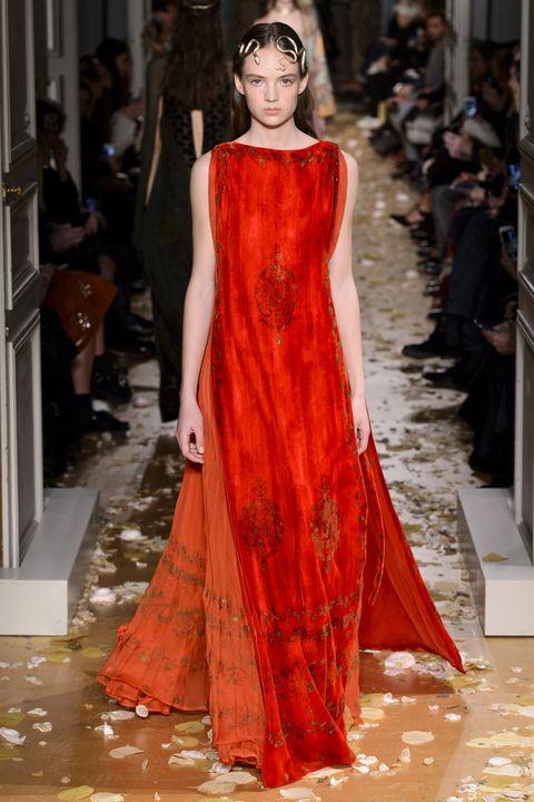 Fashion show, Dress, Runway, Style, Fashion model, Flooring, Fashion, Gown, Headpiece, Model,